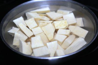 cách nấu chè  khoai lang hạt sen 1