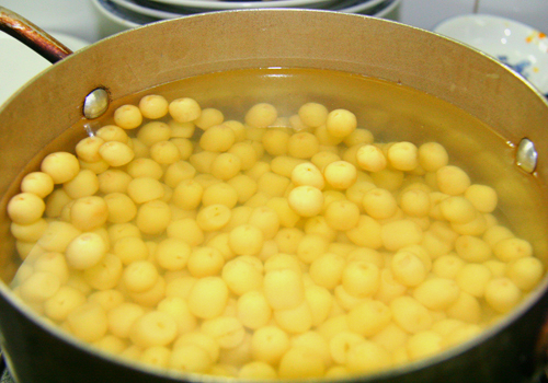 Cách nấu chè hạt sen đường phèn ngon tuyệt