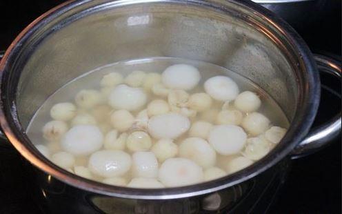 cách nấu chè vải hạt sen ngon