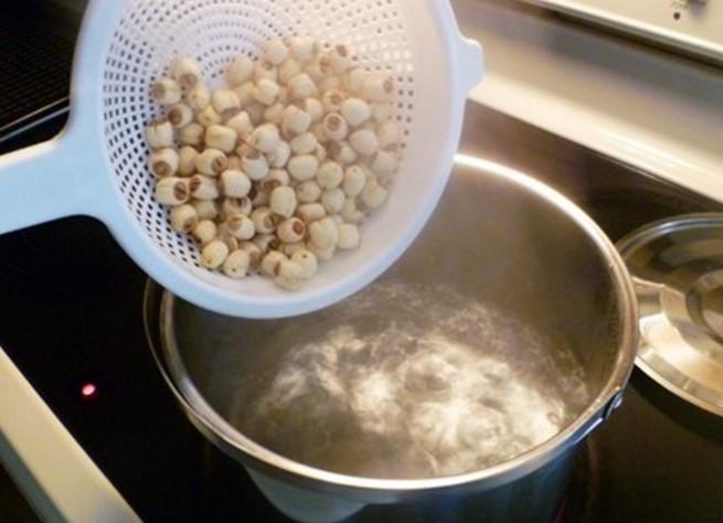 nấu hạt sen khô