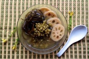 Cách nấu chè củ sen đậu xanh thơm ngon bổ dưỡng tại nhà