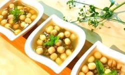 Cách nấu chè hạt sen đậu xanh ngon trong ngày hè