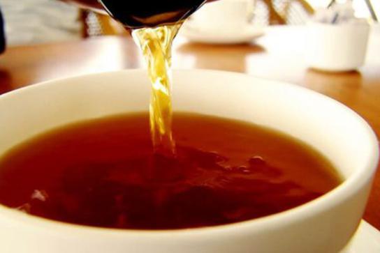 Nấu hồng trà